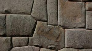 Poligonal behauene Steine in Südamerika